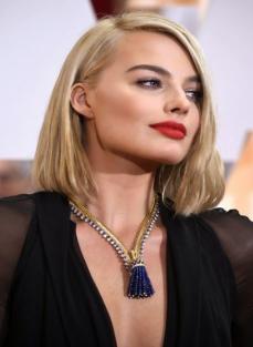 Margot Robbie, round face hairstyles, round face celebrities, hairstyles